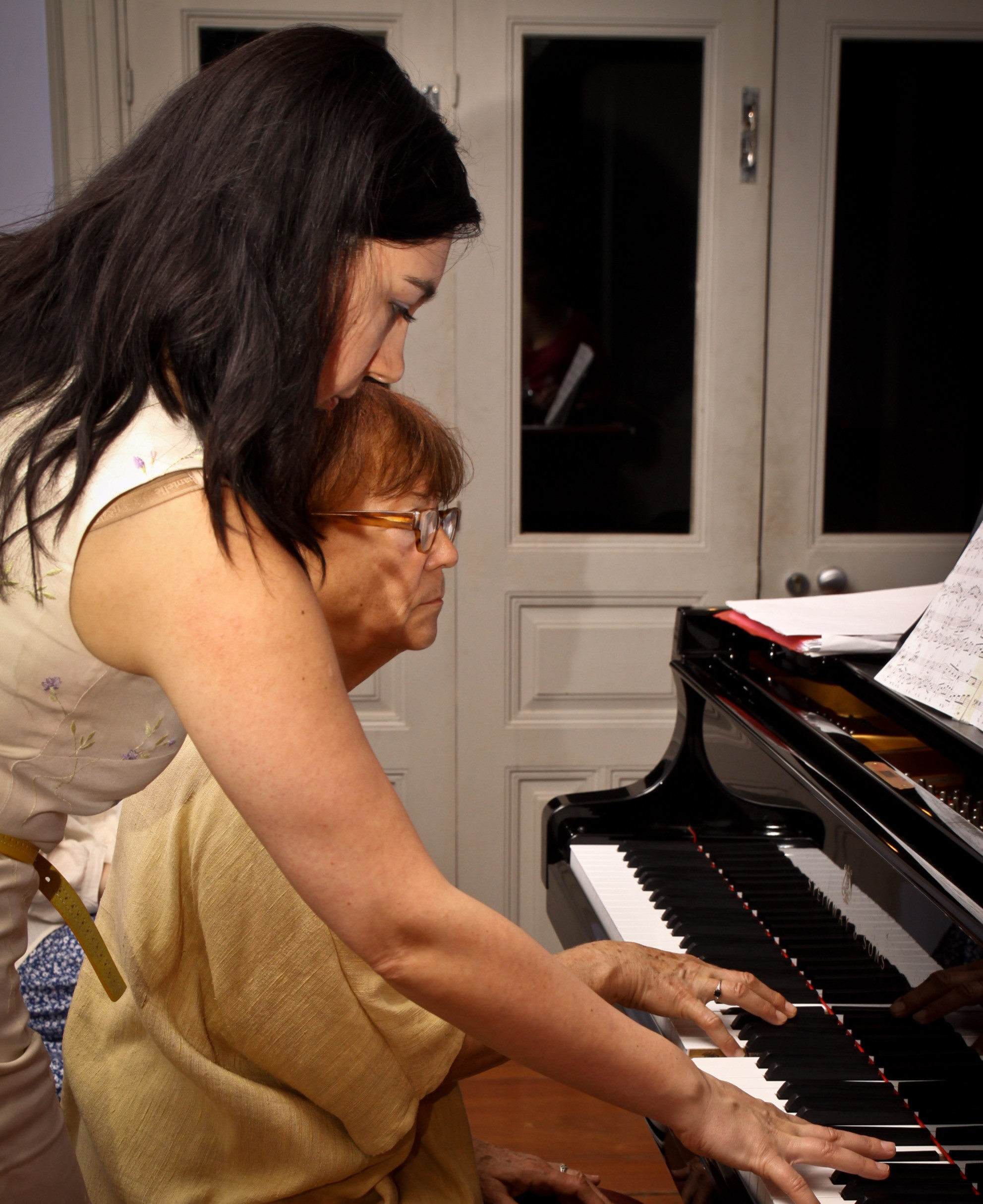 Piano Lesson with GéNIA