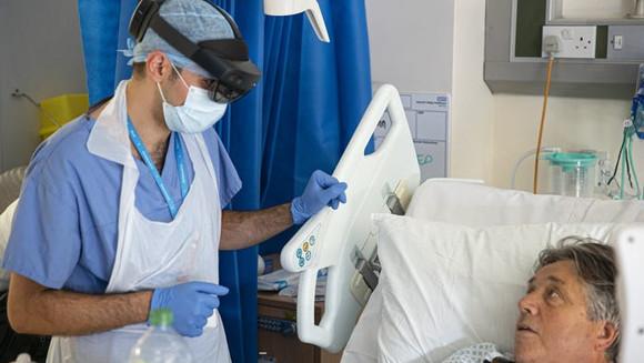 Médicos em hospitais de Londres estão usando Tecnologia de Realidade Virtual contra o COVID-19