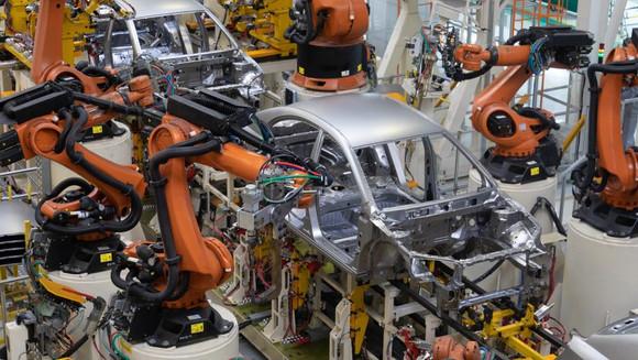 Por que as vendas de robôs na China sobreviverão à desaceleração na produção de carros