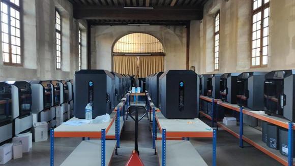 Sistema hospitalar parisiense instala 60 impressoras Stratasys 3D para combater o COVID-19