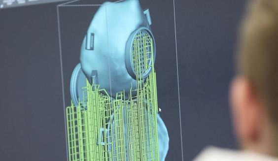 Equipamento de impressão 3D do Denture Center cria protótipos de máscara e válvula N95