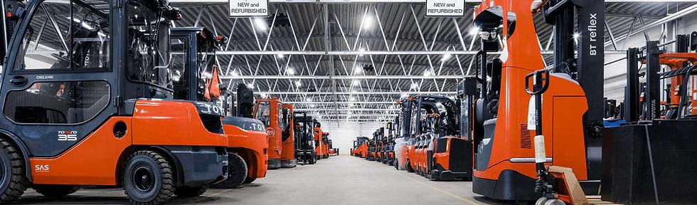 warehouse_trucks.jpg