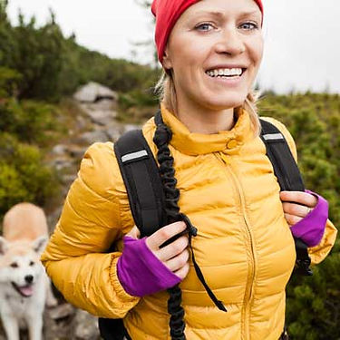 img-Damzelfly-Hiking-with-dog-Woman-400x