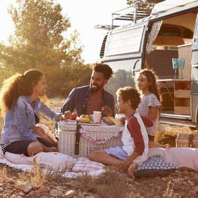 img-Damzelfly-family-camping-400x400-MRQ