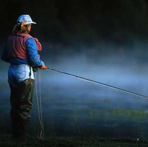 img-Damzelfly-Fly-Fishing-Woman-400x400-