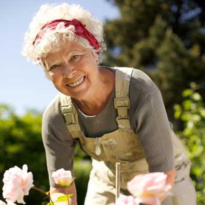 img-Damzelfly-Gardening-Woman-400x400-MR