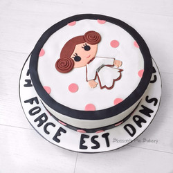 Gâteau stars wars baby shower fille