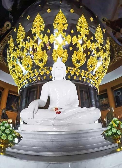 พระพุทธรูปประธานประจำพระมหาเจดีย์ศรีแสงธรรมวิสุทธิมงคล