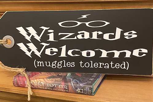 Wizards Welcome Shelf Sitter