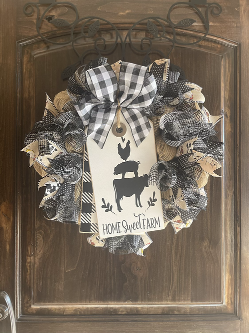 Cow, Sow, and Little Hen tag and wreath set!