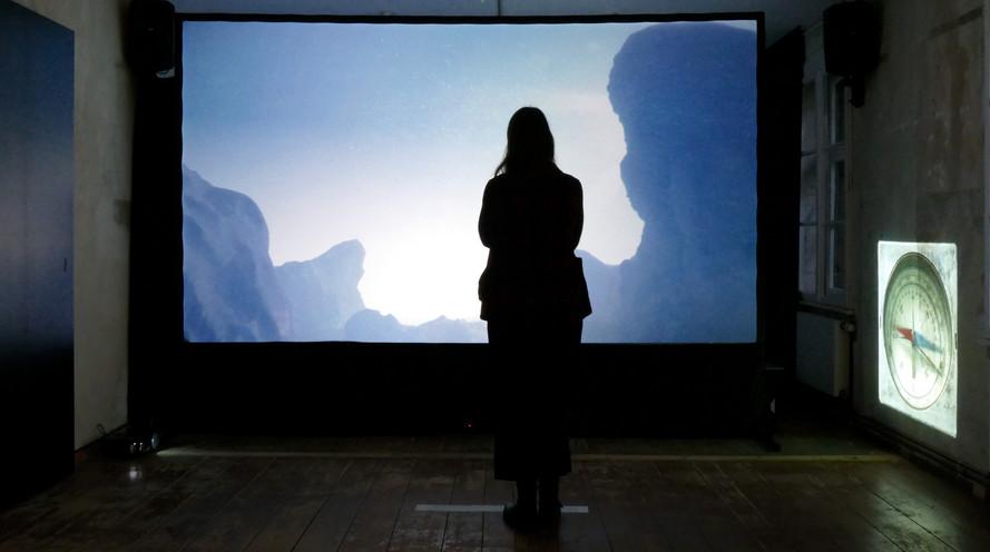Kristina Paustian, Towards the Zero Point, 2017, interaktive 2-Kanal Videoinstallation