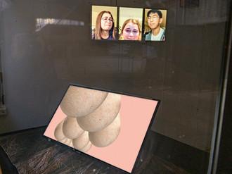 INTERLOCK #1: upright body: Yvon Chabrowski, Aron Lesnik, Ivonne Thein © Ivonne Thein
