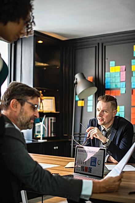 analyzing-brainstorming-business-1080853