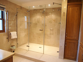 MADAME IRIS SARK - Master Bedroom Bathroom