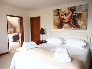 MADAME IRIS SARK - Family Bedroom