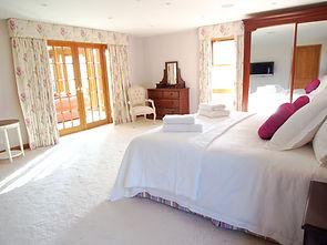 MADAME IRIS SARK - Master Bedroom