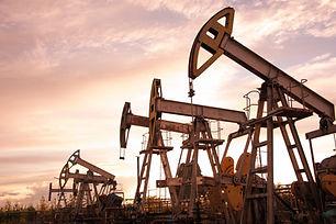 oil rigs.jpg