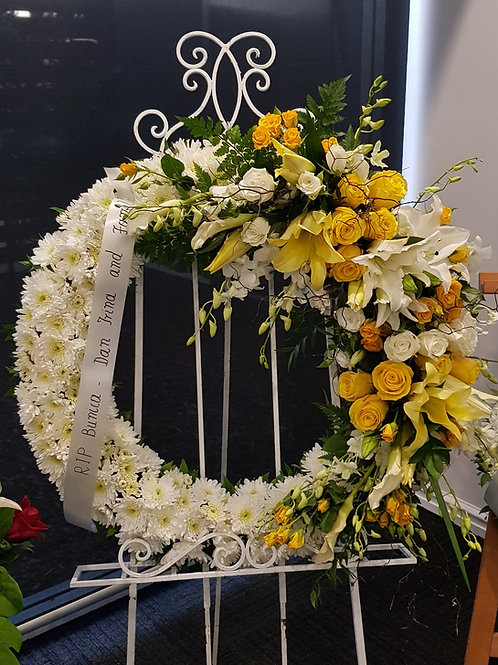 XL White and Yellow Wreath