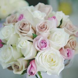 Bridal-posy-pastel-roses