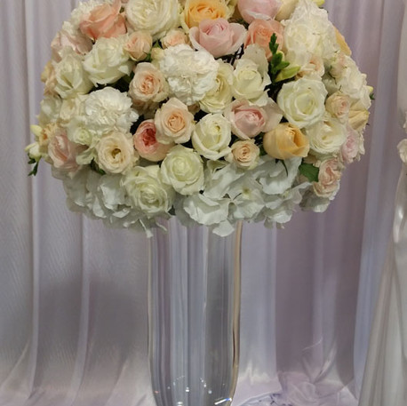 Table Centrepiece Large white and Peach Rose ball in glass vase
