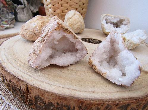 Geoda Cuarzo Blanco (Pequeña)