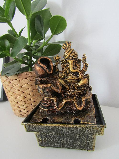 Fuente Ganesha Dorada