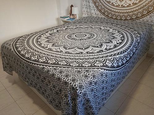 Cubre cama Mandala Negra