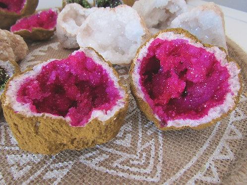 Geoda Cuarzo Blanco (Tintado Rosa)
