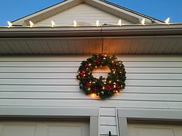 "<img src=""christmaswreth.png"" alt=""Christmas wreaths delaware trees"">"