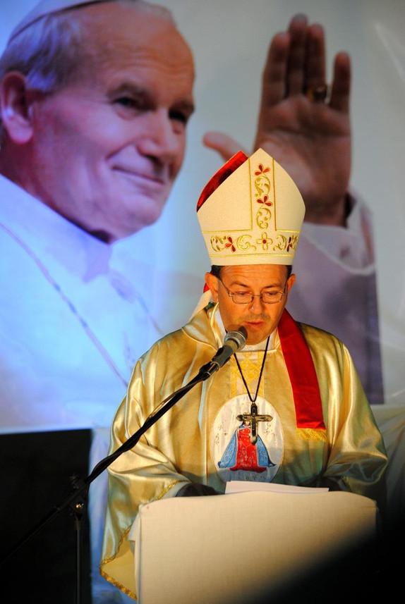 Ordenación_como_Obispo_8_-_10-mayo-2014