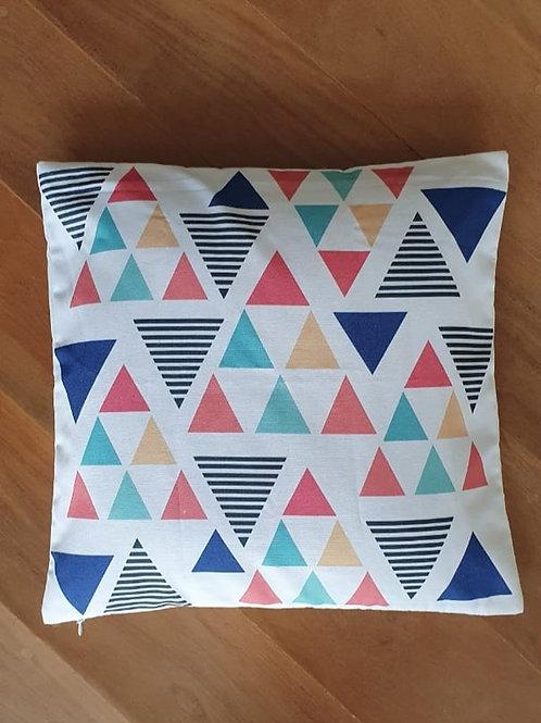 Capa de Almofada Estampa com Desenhos Triangulares