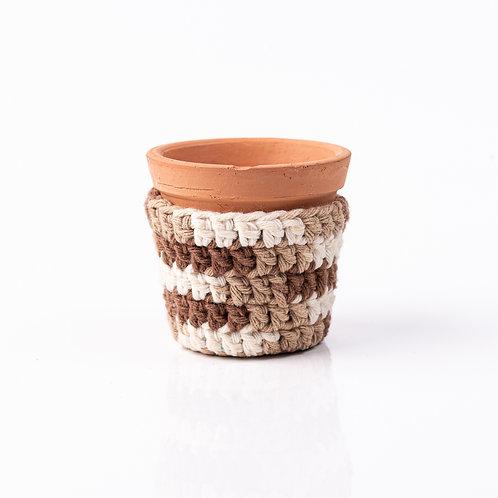 Mini Vaso de Terracota e Cachepot de Crochê Marrom P