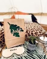 Gla Safari - tray with eyemask and treat