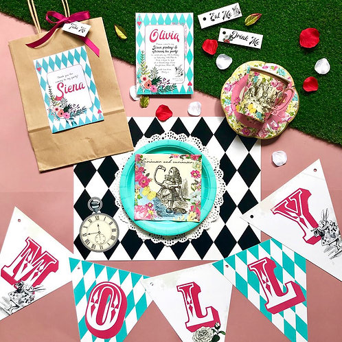 Alice in Wonderland party box - DELUXE
