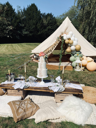Wedding chill out tent + breakfast picni