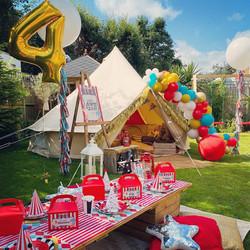 Vintage Circus lounge tent + picnic