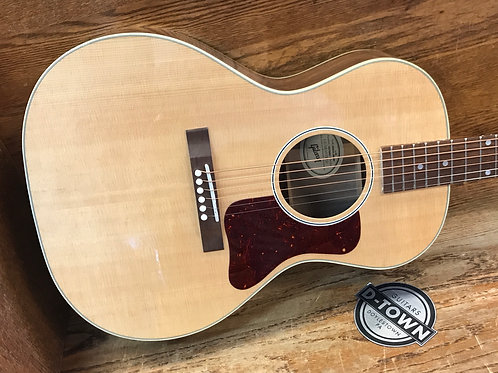 Gibson L-00 Studio Walnut Antique Natural $1649