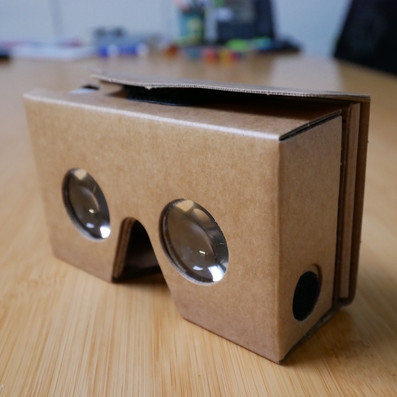 VR goggles side view_edited_edited.jpg