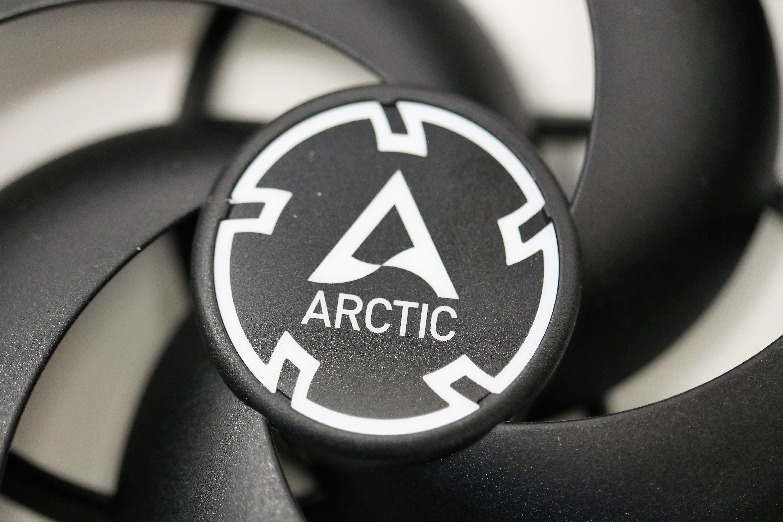 ARCTIC P12 PWM PST BLACK 11