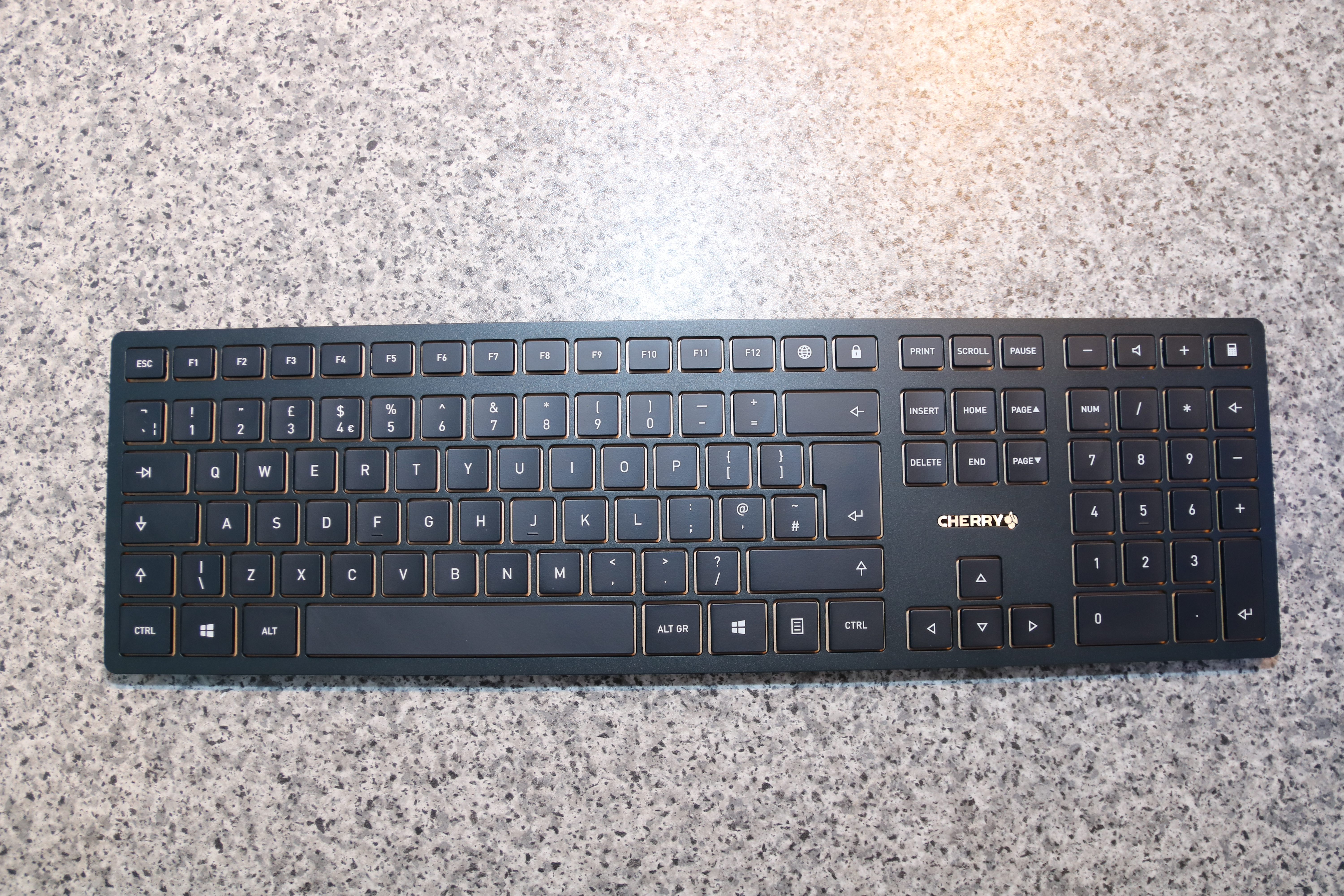 c44f7ad69b6 Cherry DW 9000 Slim | Tech for Techs | Reviews, News and Advice for ...