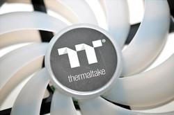 Thermaltake Pure 14 ARGB Sync 12