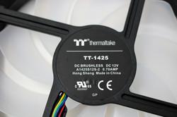 Thermaltake Pure 14 ARGB Sync 14