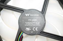 Thermaltake Pure 14 ARGB Sync 13