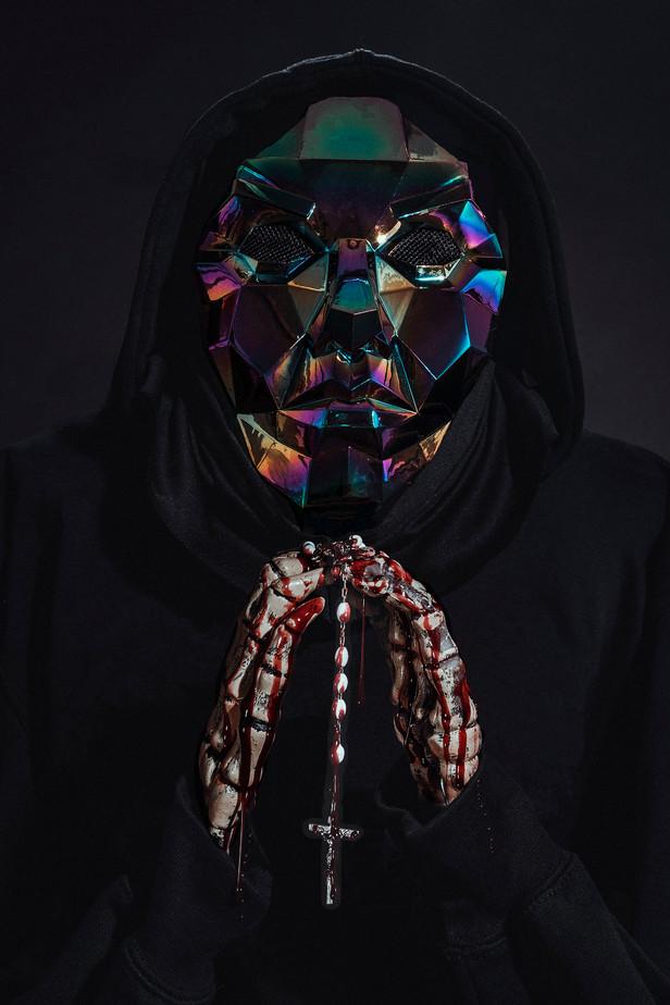 mask w rosary.jpg