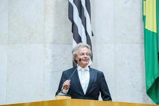 Dr. Beny Schmidt será homenageado com a Medalha Mérito Legislativo em sessão especial no Plenário Ul