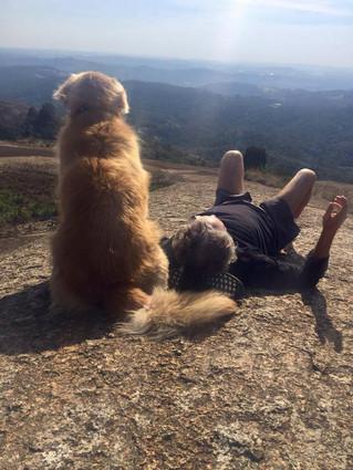 """Trecho do livro """"Tolsty - Retratos de um amor por um cão"""" escrito por Beny Schmidt."""