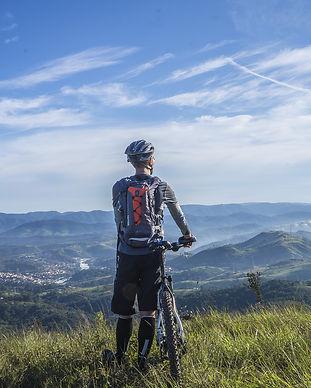 cycling-1533270_1920.jpg