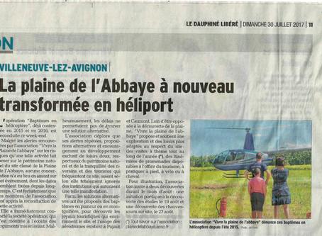 Dauphiné Libéré 30/07/2017 - La Plaine de l'Abbaye à nouveau transformée en héliport