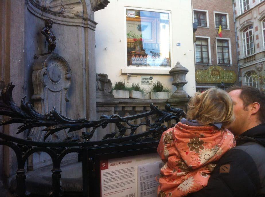 Met kinderen in Brussel - Manneken Pis