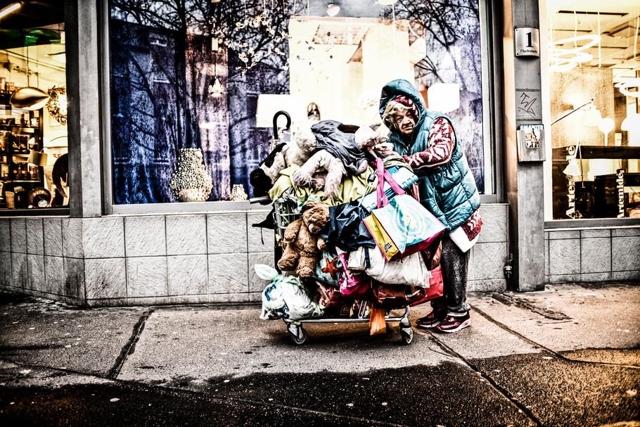 sebastian-matthias-werbefotografie-businessfotografie-street-wiesbaden-frankfurt-famous-homeless-in-mainz
